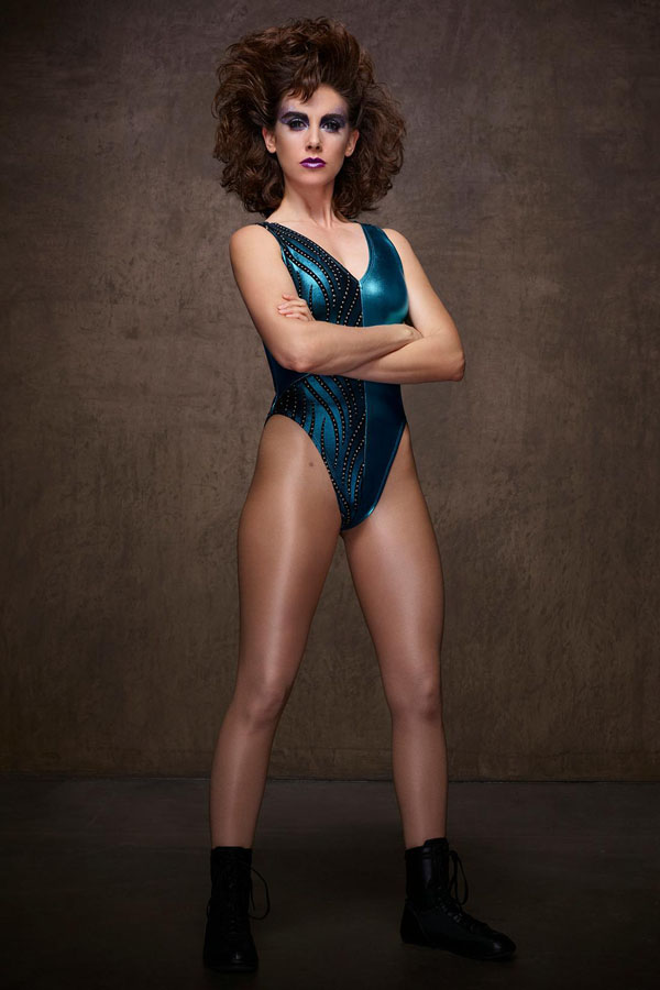 Alison Brie's sexiest pictures from her hottest photo shoots. (19)