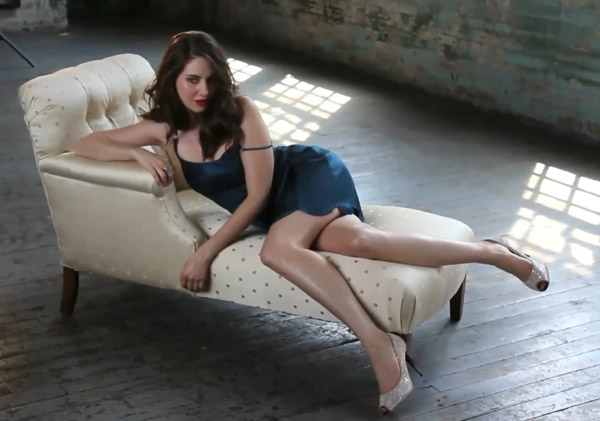 Alison Brie's sexiest pictures from her hottest photo shoots. (11)
