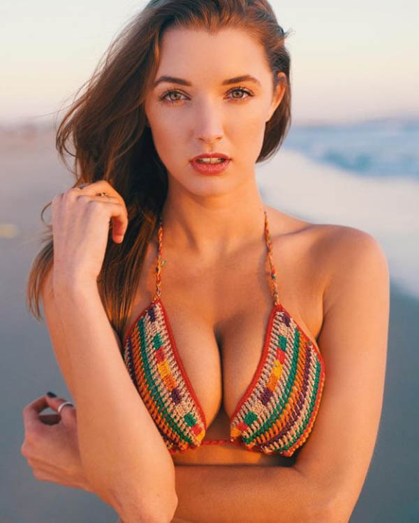 Alyssa Arce sexiest pictures from her hottest photo shoots. (40)