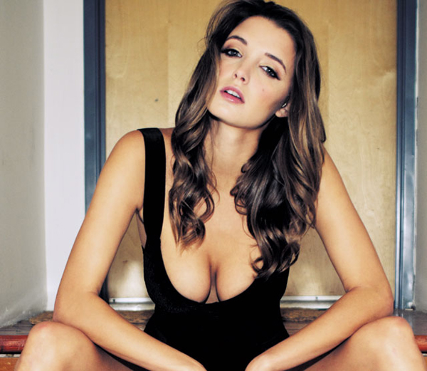 Alyssa Arce sexiest pictures from her hottest photo shoots. (23)