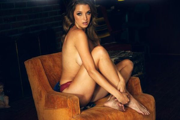 Alyssa Arce sexiest pictures from her hottest photo shoots. (16)