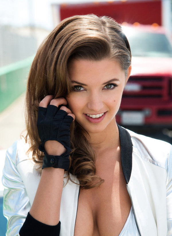 Alyssa Arce sexiest pictures from her hottest photo shoots. (14)