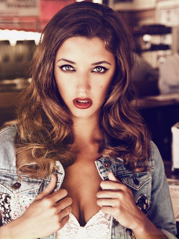Alyssa Arce sexiest pictures from her hottest photo shoots. (11)