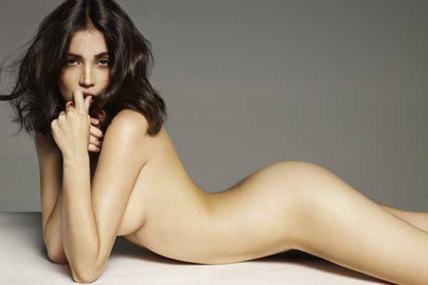 Ana de Armas sexiest pictures from her hottest photo shoots. (32)