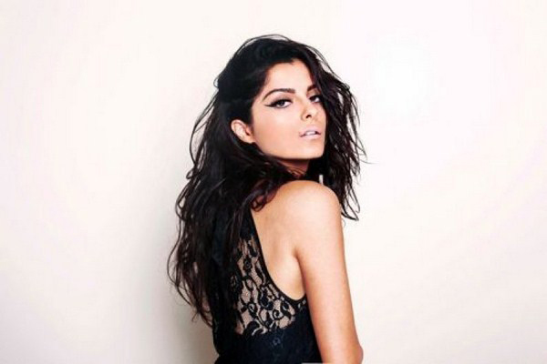 Bebe Rexha sexiest pictures from her hottest photo shoots. (2)