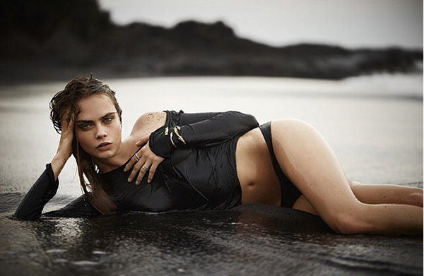 Cara Delevingne sexiest pictures from her hottest photo shoots. (22)