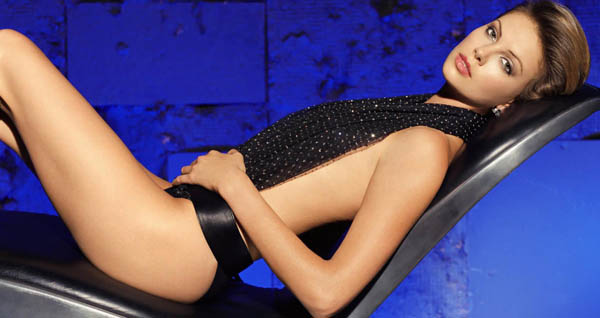 Charlize Theron sexiest pictures from her hottest photo shoots. (29)