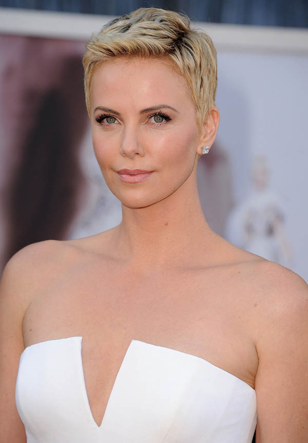 Charlize Theron sexiest pictures from her hottest photo shoots. (22)