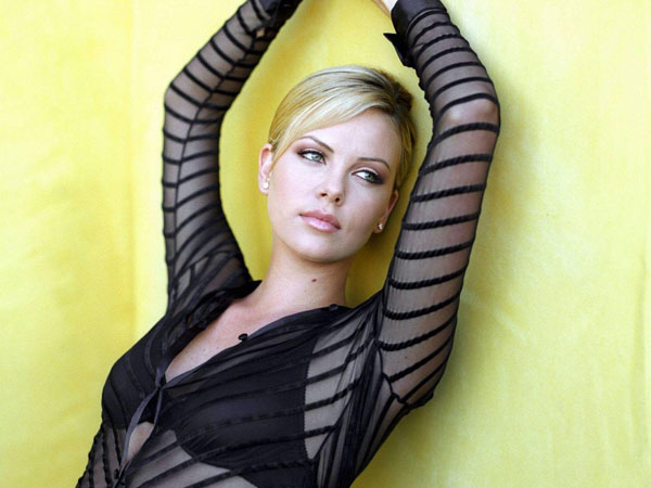 Charlize Theron sexiest pictures from her hottest photo shoots. (9)
