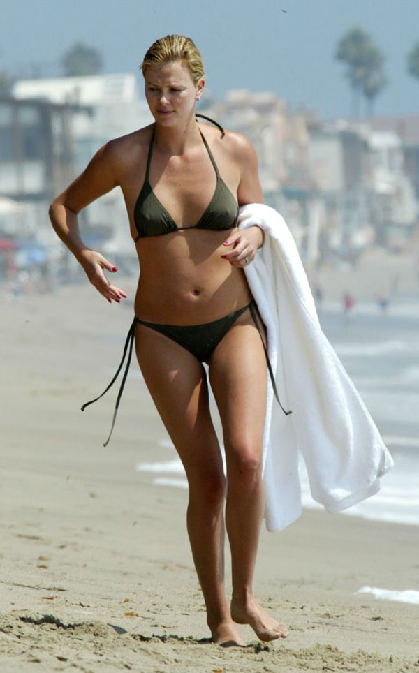 Charlize Theron sexiest pictures from her hottest photo shoots. (1)