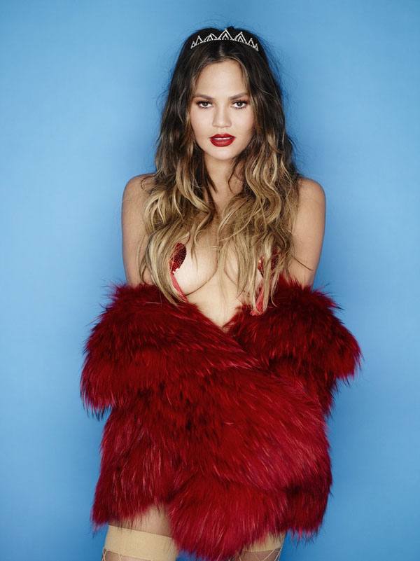 Chrissy Teigen sexiest pictures from her hottest photo shoots. (30)