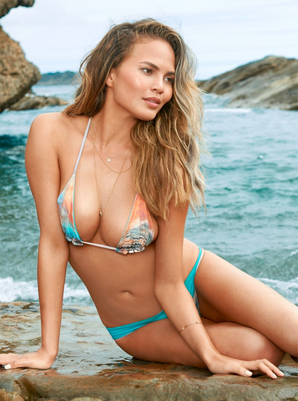 Chrissy Teigen sexiest pictures from her hottest photo shoots. (20)