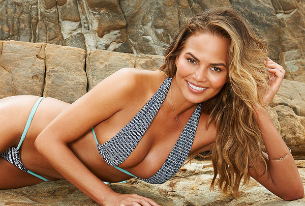 Chrissy Teigen sexiest pictures from her hottest photo shoots. (14)