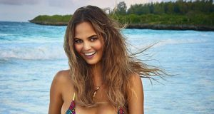 Chrissy Teigen sexiest pictures from her hottest photo shoots. (1)