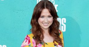 Ellie Kemper sexiest pictures from her hottest photo shoots. (27)