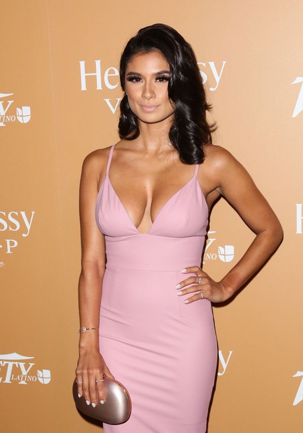 Diane Guerrero Hottest Photos 26 Sexy Near Nude Pictures Gifs