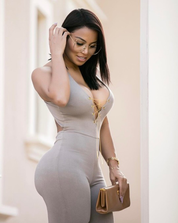 Dolly Castro sexiest pictures from her hottest photo shoots. (34)