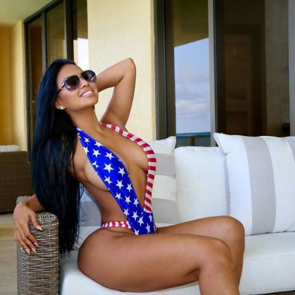 Dolly Castro sexiest pictures from her hottest photo shoots. (26)