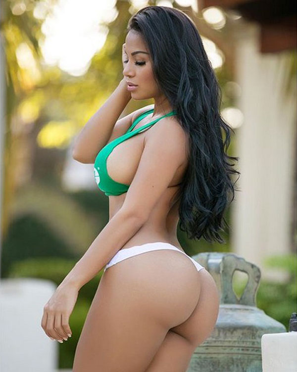 Dolly Castro sexiest pictures from her hottest photo shoots. (23)