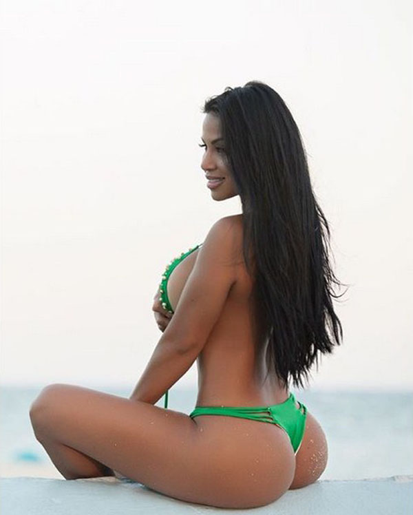 Dolly Castro sexiest pictures from her hottest photo shoots. (7)