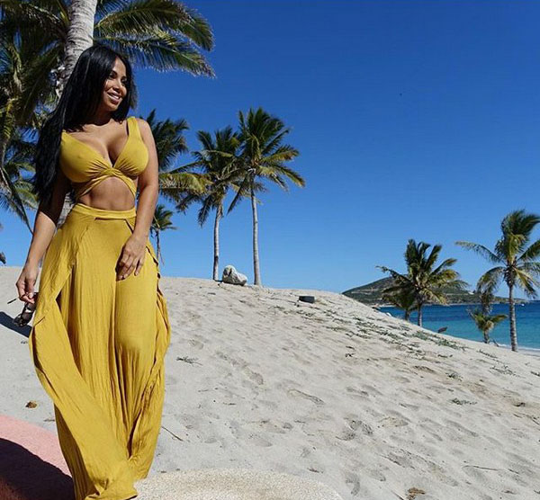 Dolly Castro sexiest pictures from her hottest photo shoots. (2)