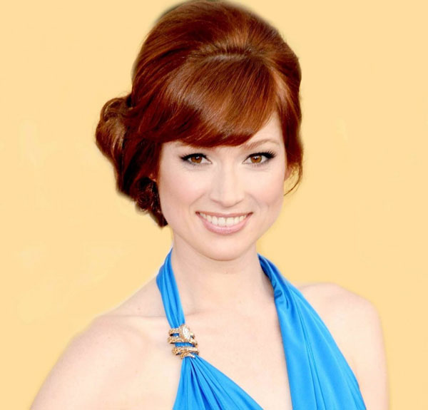 Ellie Kemper sexiest pictures from her hottest photo shoots. (17)