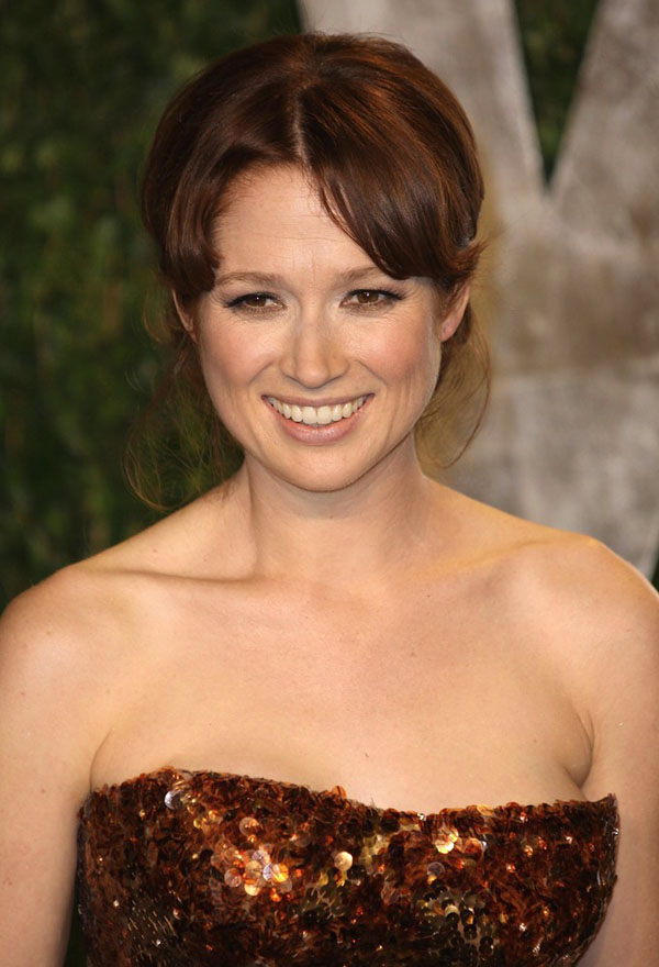 Ellie Kemper sexiest pictures from her hottest photo shoots. (4)