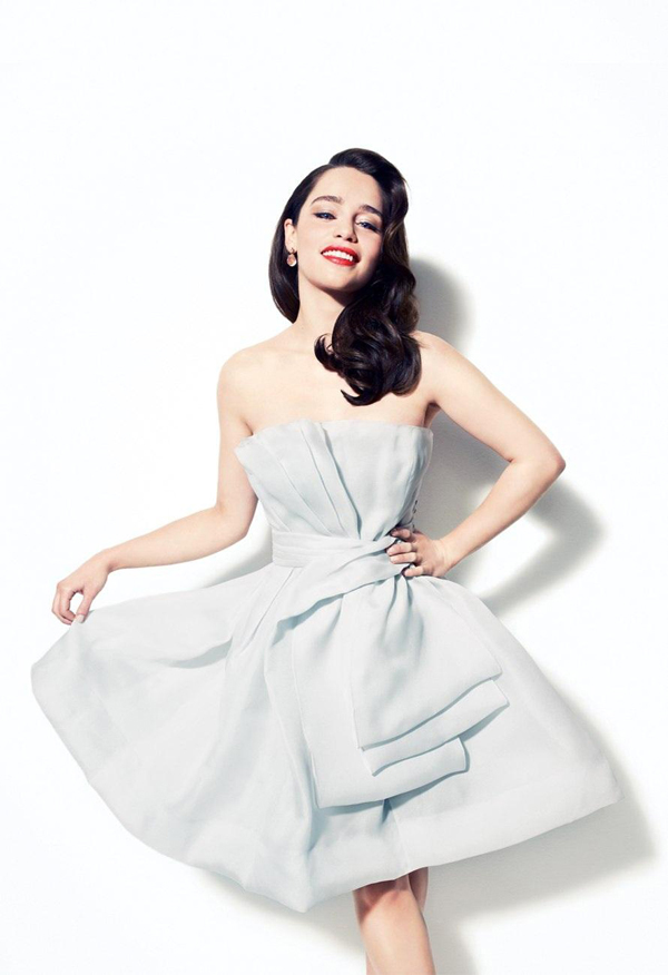 Emilia Clarke sexiest pictures from her hottest photo shoots. (5)
