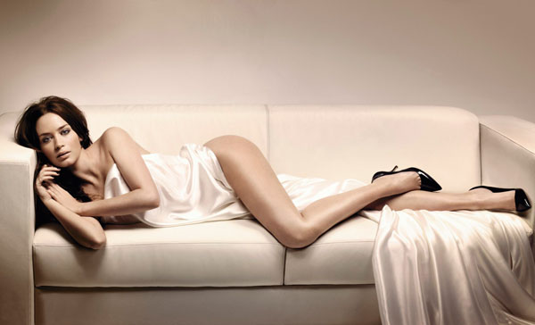 Emily Blunt sexiest pictures from her hottest photo shoots. (40)