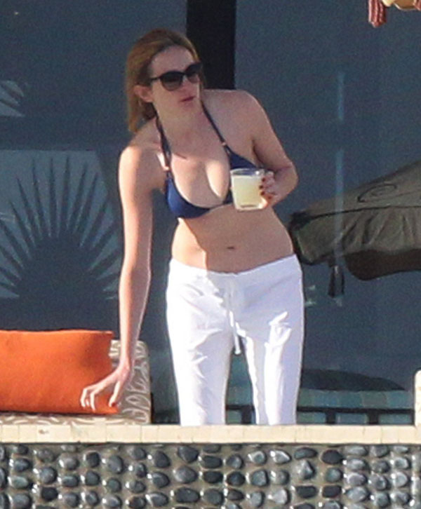 Think, Emily blunt nude gifs you
