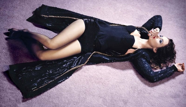 Emily Blunt sexiest pictures from her hottest photo shoots. (22)