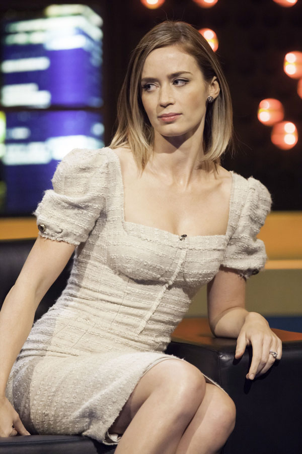 Emily Blunt sexiest pictures from her hottest photo shoots. (18)