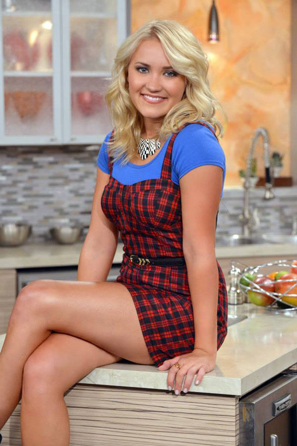 Emily Osment sexiest pictures from her hottest photo shoots. (19)