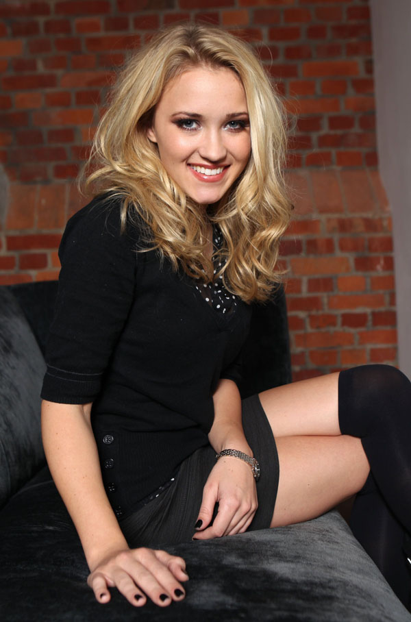 Emily Osment sexiest pictures from her hottest photo shoots. (16)