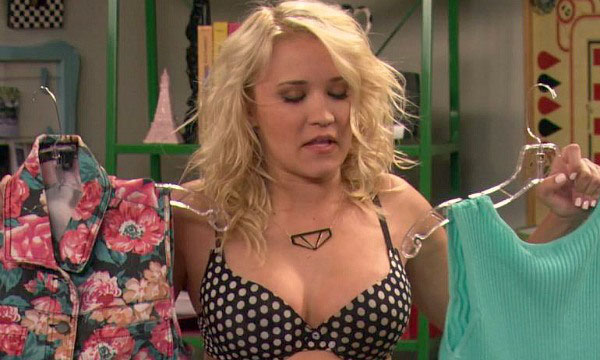 Emily Osment sexiest pictures from her hottest photo shoots. (12)