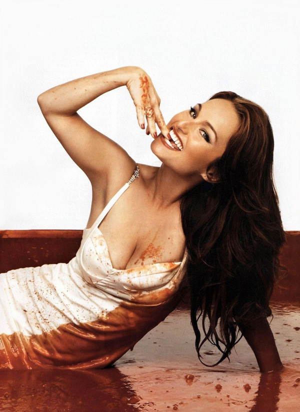 Giada De Laurentiis sexiest pictures from her hottest photo shoots. (17)