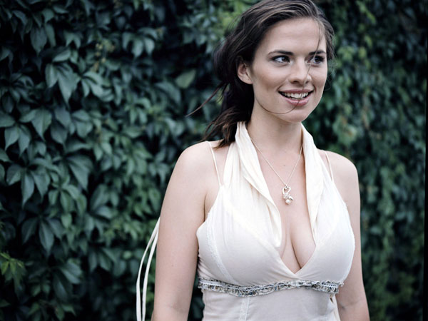 Hayley Atwell sexiest pictures from her hottest photo shoots. (26)
