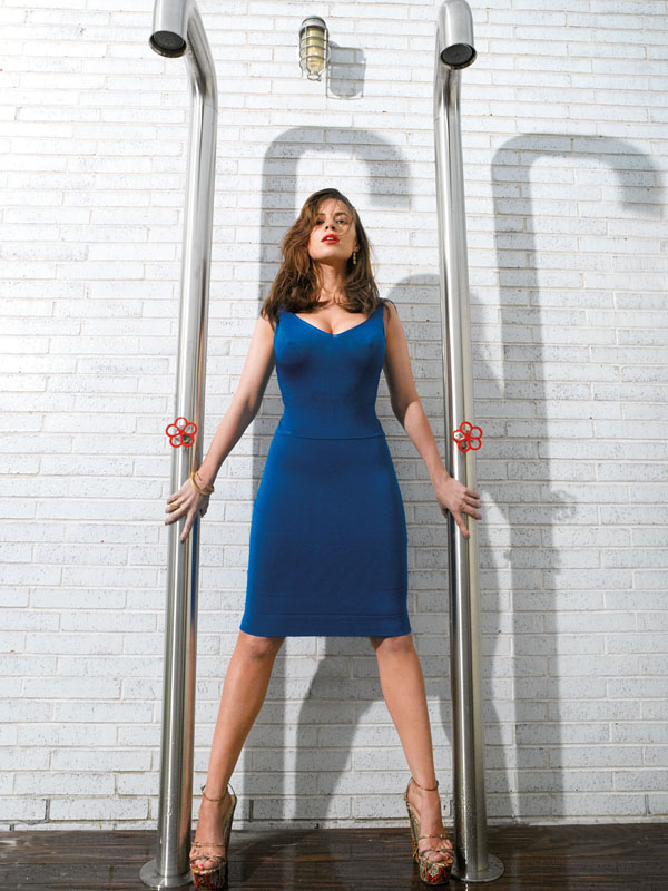 Hayley Atwell sexiest pictures from her hottest photo shoots. (25)