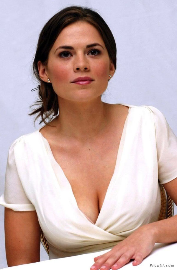Hayley Atwell sexiest pictures from her hottest photo shoots. (5)