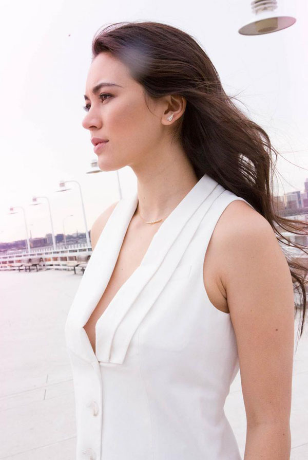 Jessica Henwick sexiest pictures from her hottest photo shoots. (12)