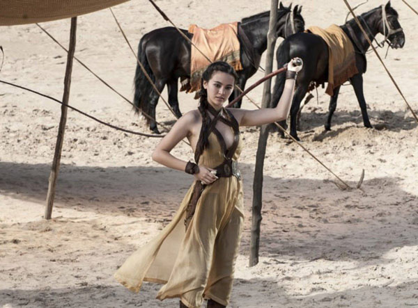 Jessica Henwick sexiest pictures from her hottest photo shoots. (9)