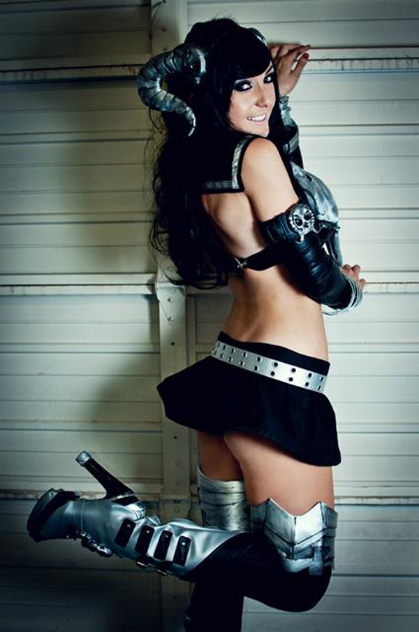 Jessica Nigri sexiest pictures from her hottest photo shoots. (13)