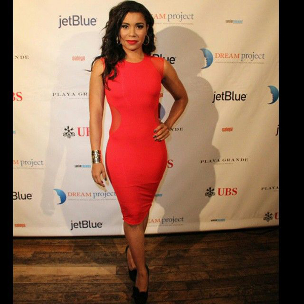 Jessica Pimentel sexiest pictures from her hottest photo shoots. (14)