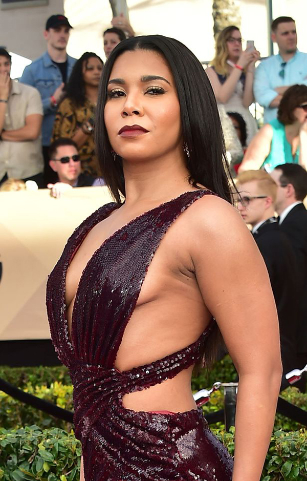 Jessica Pimentel sexiest pictures from her hottest photo shoots. (4)