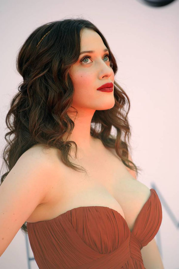 Kat Dennings sexiest pictures from her hottest photo shoots. (35)