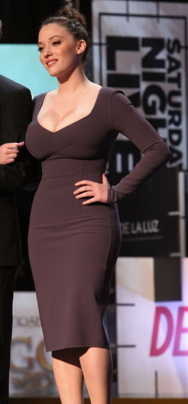 Kat Dennings sexiest pictures from her hottest photo shoots. (34)