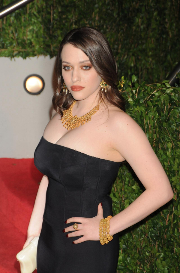 Kat Dennings sexiest pictures from her hottest photo shoots. (8)
