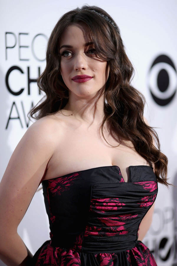 Kat Dennings sexiest pictures from her hottest photo shoots. (1)