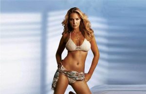 Katherine Heigl sexiest pictures from her hottest photo shoots. (44)