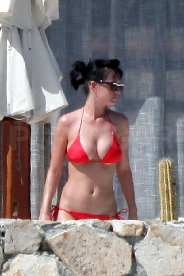 Katy Perry sexiest pictures from then (older) and now (current). (43)